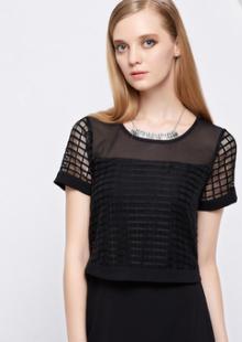 连衣裙小黑裙镂空格子大号显瘦短袖胖子女装