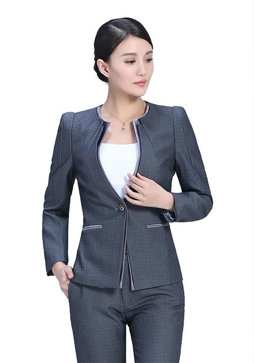 灰色长袖职业装