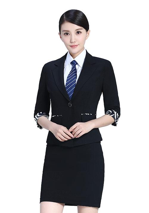 时尚套裙职业装定制